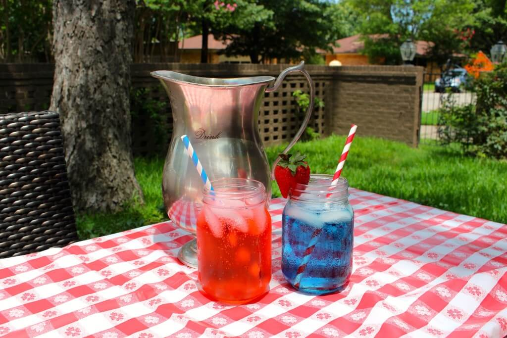 FOURTH OF JULY WINE SPRITZERS
