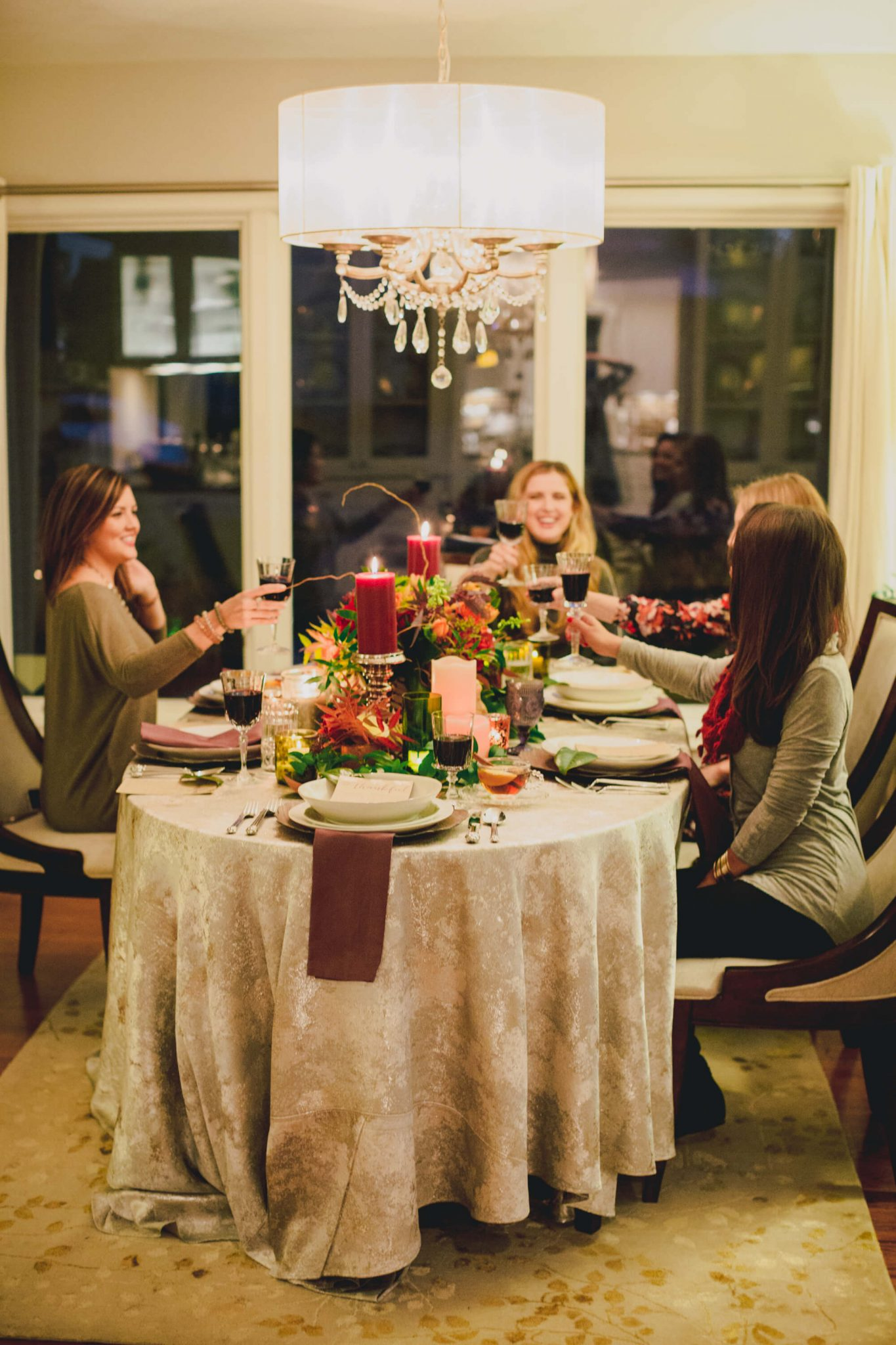 Friendsgiving // www.https://www.thehisfor.com // Thanksgiving Meal
