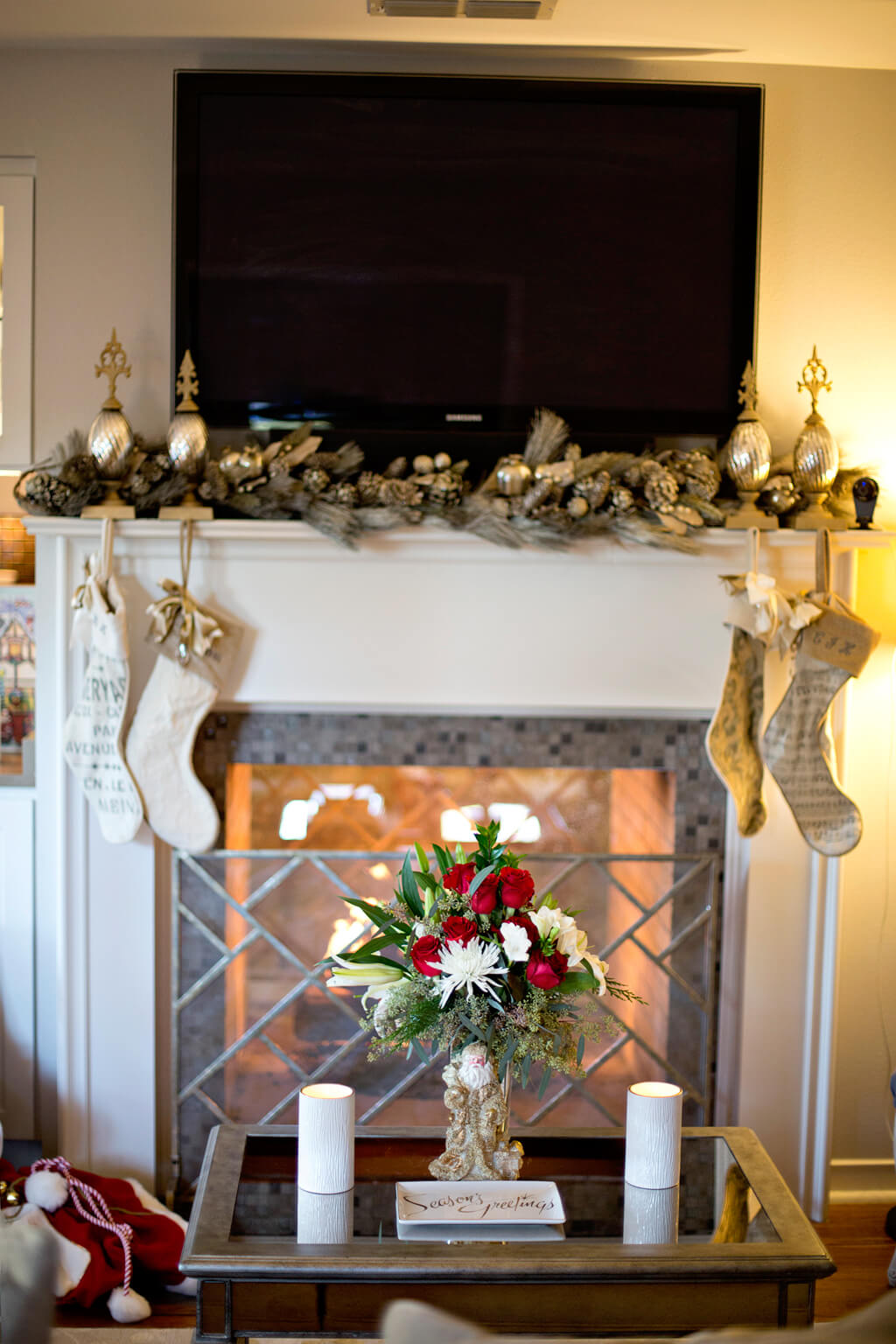 Holiday Home Tour // Christmas Decor // www.https://www.thehisfor.com