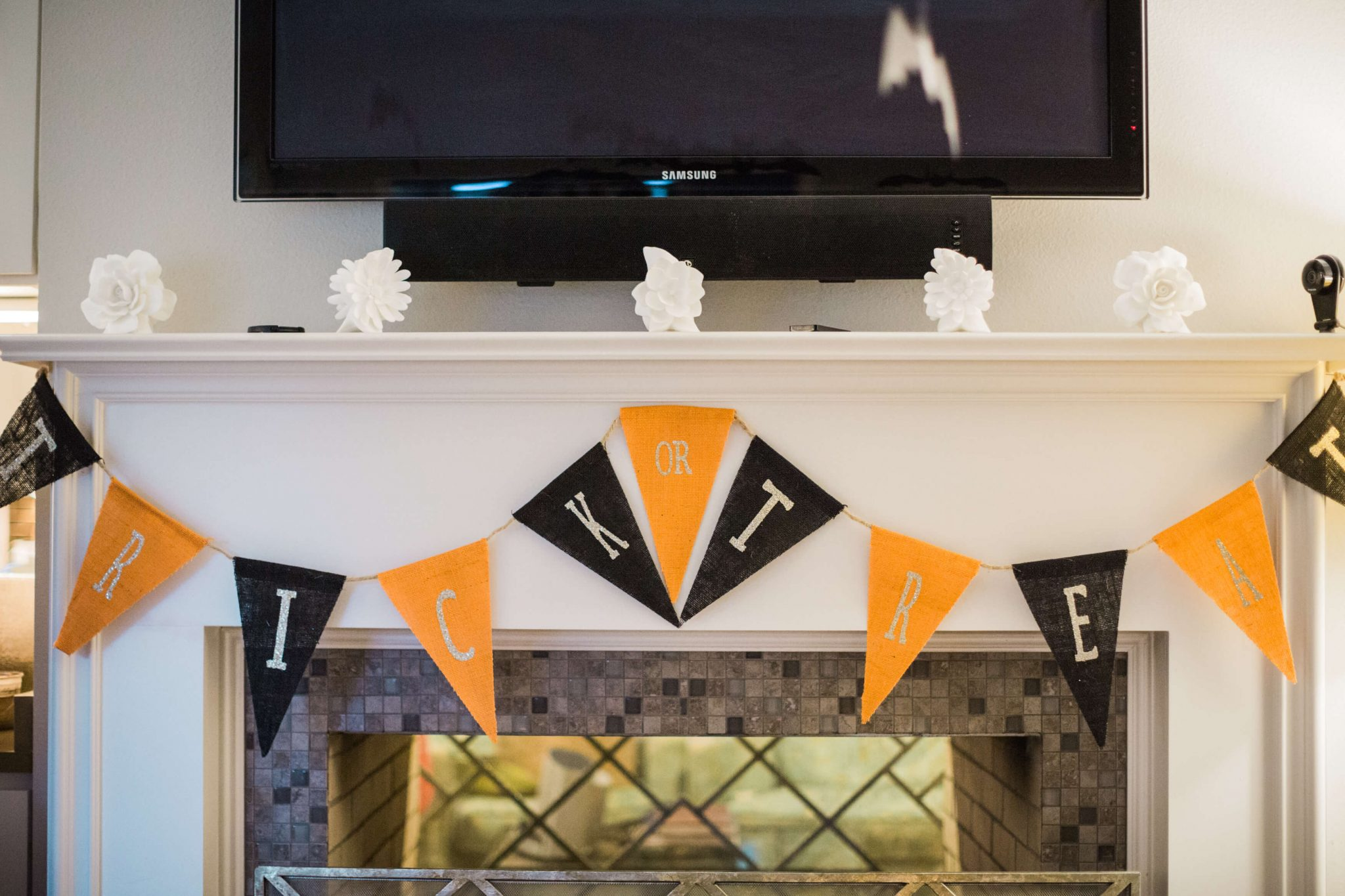 Halloween with Pottery Barn Kids // Halloween party decor and costumes // www.https://www.thehisfor.com